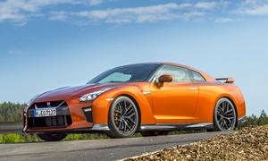 Nissan GT-R Features