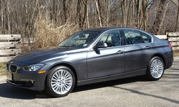 2012 BMW 328i Luxury Line front quarter view
