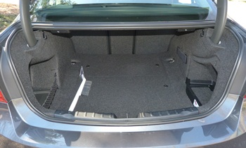 3-Series Reviews: 2012 BMW 328i trunk
