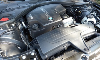 3-Series Reviews: 2012 BMW 328i engine