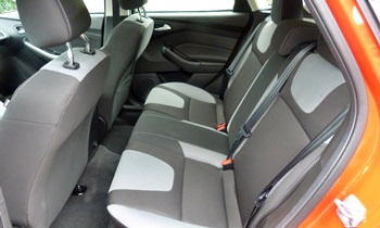 Focus Reviews: Ford Focus SE Sport rear seat