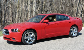 2012 Dodge Charger SXT Plus front quarter view
