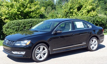 Passat Reviews: 2012 Volkswagen Passat TDI front quarter view