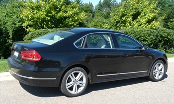 Passat Reviews: 2012 Volkswagen Passat TDI rear quarter view