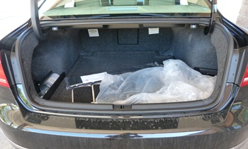 Passat Reviews: 2012 Volkswagen Passat trunk