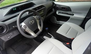 Prius C Reviews: Toyota Prius C Interior