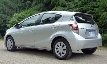2012 toyota prius c pros and cons at truedelta 2012. Black Bedroom Furniture Sets. Home Design Ideas