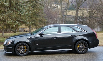 CTS Reviews: Cadillac CTS-V wagon side view