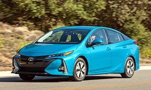 Hatch Models at TrueDelta: 2018 Toyota Prius Prime exterior