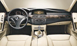 Wagon Models at TrueDelta: 2007 BMW 5-Series interior