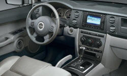 Jeep Models at TrueDelta: 2010 Jeep Commander interior