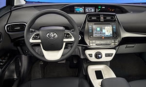 Hatch Models at TrueDelta: 2018 Toyota Prius interior