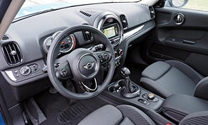 SUV Models at TrueDelta: 2020 Mini Countryman interior