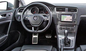 Wagon Models at TrueDelta: 2018 Volkswagen Golf Alltrack interior