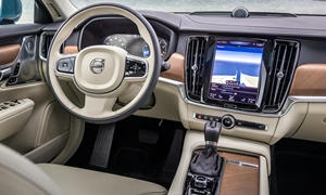 Volvo Models at TrueDelta: 2017 Volvo V90 interior