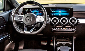 Mercedes-Benz Models at TrueDelta: 2020 Mercedes-Benz GLB interior