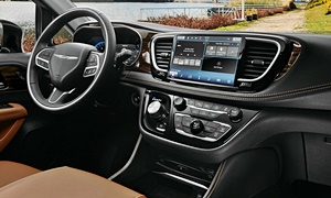 Chrysler Models at TrueDelta: 2021 Chrysler Pacifica interior