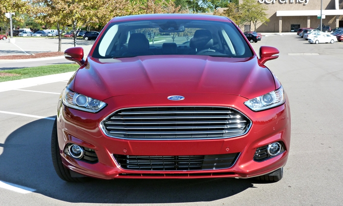 Fusion Reviews: 2013 Ford Fusion Titanium front view