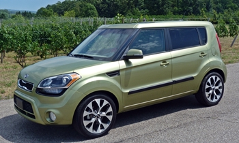 Kia Soul Photos: Kia Soul front quarter view