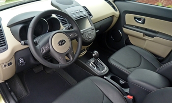 Kia Soul Photos: Kia Soul interior