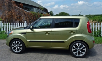 Kia Soul Photos: Kia Soul side view