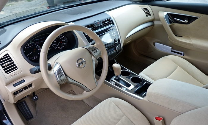 Altima Reviews: Nissan Altima Interior