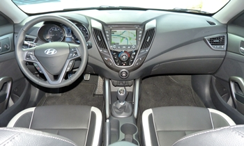 Veloster Reviews: Hyundai Veloster Turbo instrument panel