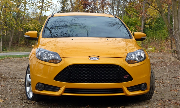 Focus Reviews: Ford Focus ST front view