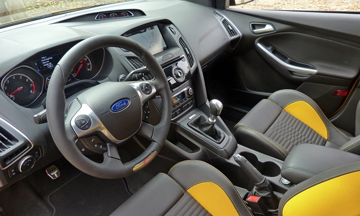 Ford Focus Photos: Ford Focus ST interior