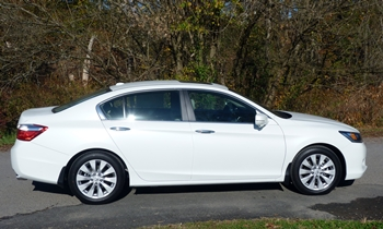 Honda Accord Photos: Honda Accord EX-L side view