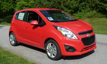 Chevrolet Spark Photos: Chevrolet Spark front quarter view
