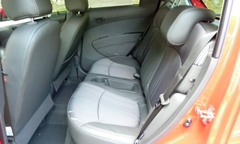 Spark Reviews: Chevrolet Spark rear seat
