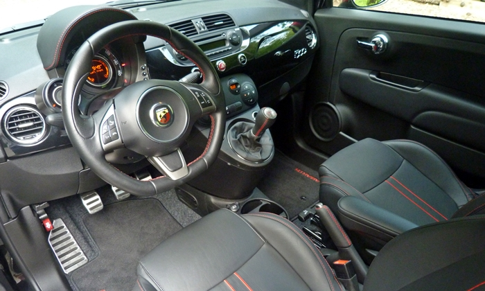 500 Reviews: FIAT 500 Abarth interior