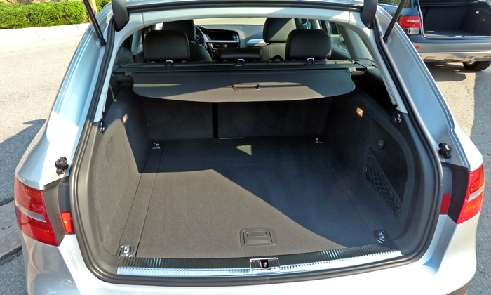 Audi allroad Photos: 2013 Audi allroad cargo area