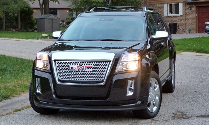 GMC Terrain Photos: GMC Terrain Denali front view