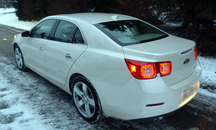 Chevrolet Malibu Photos: Chevrolet Malibu LTZ high rear quarter view