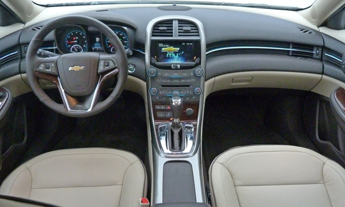 Chevrolet Malibu Photos: Chevrolet Malibu LTZ instrument panel