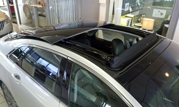 Lincoln MKZ Photos: 2013 Lincoln MKZ big sunroof