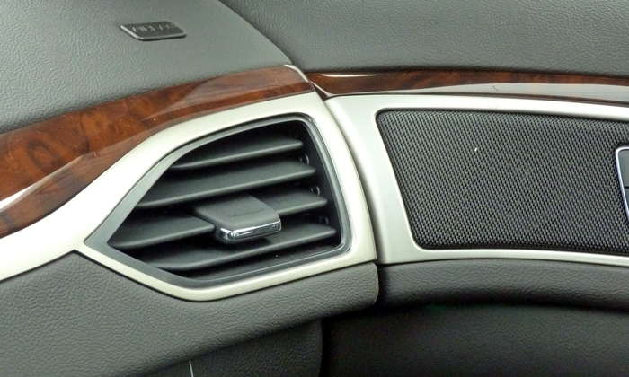 Lincoln MKZ Photos: 2013 Lincoln MKZ dash-to-door fit