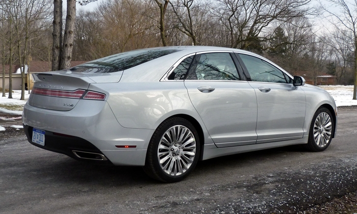 MKZ Reviews: 2013 Lincoln MKZ rear quarter view