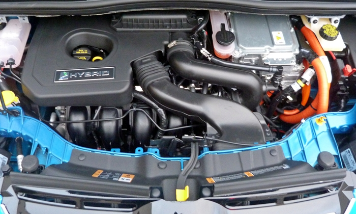 C-MAX Reviews: Ford C-MAX Hybrid engine