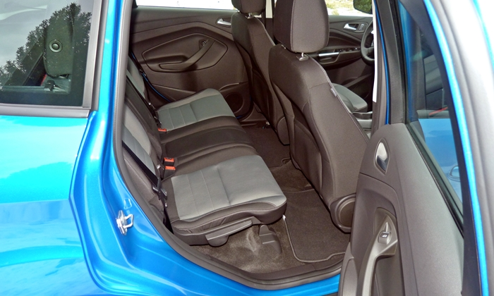 C-MAX Reviews: Ford C-MAX rear seat