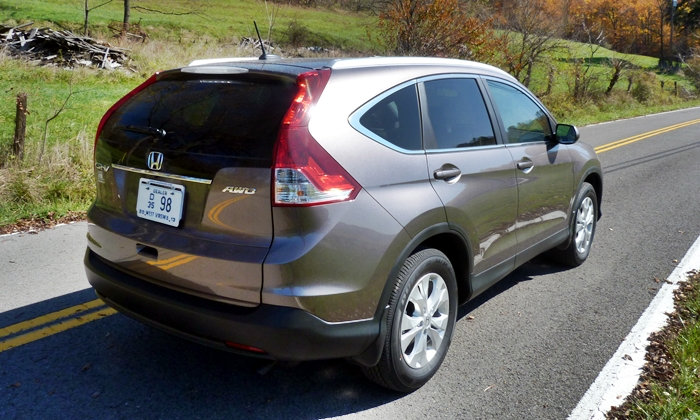 CR-V Reviews: 2013 Honda CR-V EX-L rear quarter view