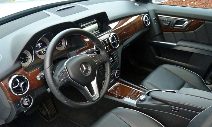 Mercedes-Benz GLK Photos: 2013 Mercedes-Benz GLK350 interior