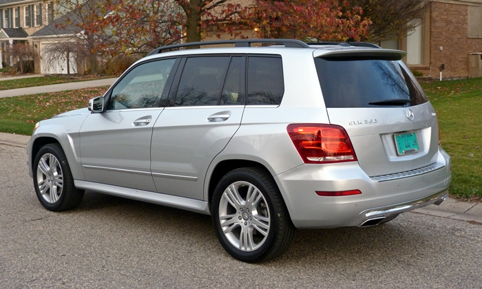 Mercedes-Benz GLK Photos: 2013 Mercedes-Benz GLK350 rear quarter view