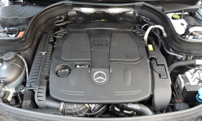 Mercedes-Benz GLK Photos: 2013 Mercedes-Benz GLK350 engine