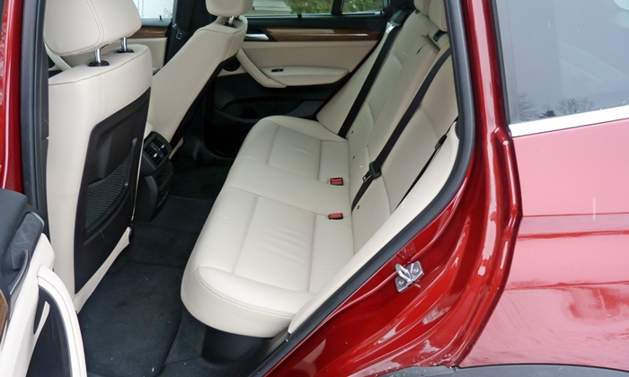 BMW X3 Photos: 2013 BMW X3 rear seat
