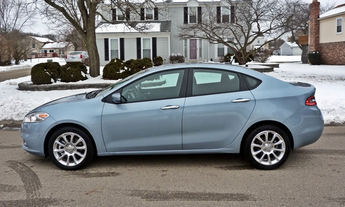 Dodge Dart Photos: 2013 Dodge Dart Limited side view