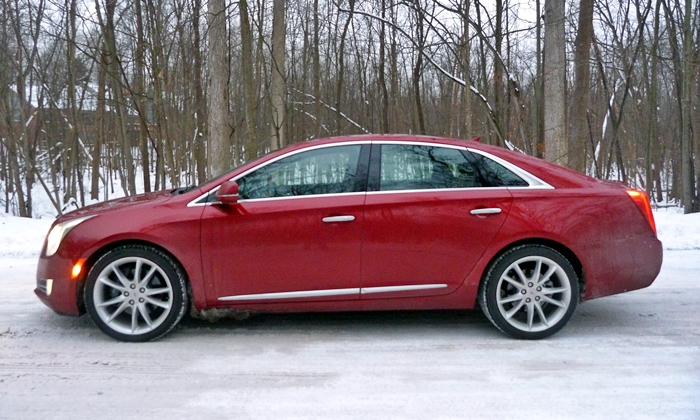 Cadillac XTS Photos: 2013 Cadillac XTS side view