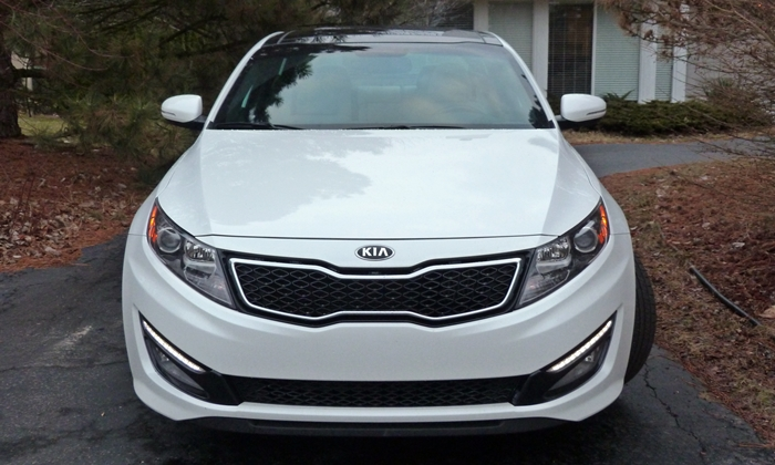 Optima Reviews: 2013 Kia Optima SXL front view
